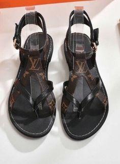 Louis Vuitton Sandals Source by vuitton shoes – louis vuitton shoes sneakers Louis Vuitton Shoes Sneakers, Lv Shoes, Hype Shoes, Me Too Shoes, Shoe Boots, Louis Vuitton Heels, Cute Sandals, Brown Sandals, Fashion Sandals