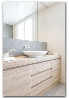 Mixture of textures and patterns, concrete, tile and wood. Bathroom inspo