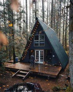 Tyr River Cabin via - Architecture and Home Decor - Bedroom - Bathroom - Kitchen And Living Room Interior Design Decorating Ideas - Tiny House Cabin, Tiny House Design, Cabin Homes, Home Design, A Frame House Plans, A Frame Cabin, Triangle House, Cabin In The Woods, Forest House