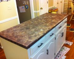 Diy concrete countertops over existing formica hymns and for Can you paint formica table top