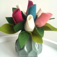 Simple Fabric Crafts You Can Make From Scraps - Diy Crafts Felt Flower Bouquet, Felt Flowers, Diy Flowers, Fabric Flowers, Felt Diy, Felt Crafts, Fabric Crafts, Diy And Crafts, Paper Flowers Craft