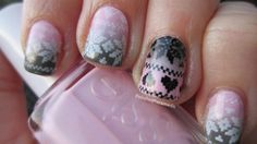 The Polished Paramedic : Wintery Sweater Nails