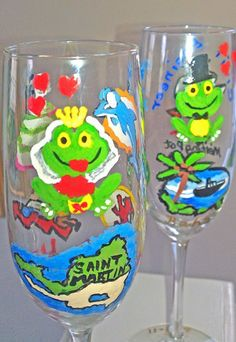 These frog #brideandgroom #champagneglasses and #flutes by #clearlysusan must be in a hurry to get hitched! Brides and grooms today are incorporating such whimsical themes into their wedding toasting glasses and we love to accommodate. $28.00 each http://www.clearlysusan.com/Frog-Bride-and-Groom-Champagne-Glasses-and-Flutes_p_208.html