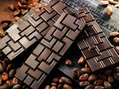 Best Chocolate Bars, Make Your Own Chocolate, Dark Chocolate Almonds, Chocolate Bark, Chocolate Ice Cream, Chocolate Molds, Chocolate Lovers, Chocolate Bar Wrappers, Chocolate Gift Boxes