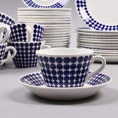 Adam porcelain by Swedish Stig Lindberg for Gustavsbergs Porcelainfactory. Modern Teacups, Swedish Decor, Swedish Design, Retro Fabric, White Dishes, Blue Plates, Ceramic Tableware, Porcelain Ceramics, China Porcelain