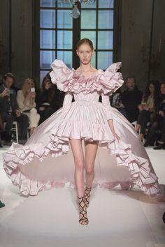 Défilé Giambattista Valli Haute couture printemps-été 2017 28