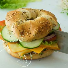 The Pioneer Woman- Veggie & Cheese Bagel The Pioneer Woman, Pioneer Woman Recipes, Bagel Sandwich, Veggie Sandwich, Sandwich Board, Veggie Cheese, Yummy Veggie, Yummy Lunch, Delicious Food
