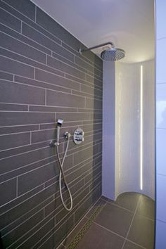 1000 images about inloopdouche on pinterest texture painting met and bathroom - Modern badkamer tegel idee ...