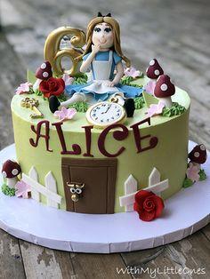 Alice In Wonderland Party, Birthday Cake, Desserts, Food, Tailgate Desserts, Deserts, Birthday Cakes, Essen, Postres