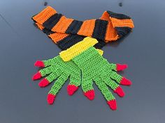 Ravelry: Witches Hug Scarf pattern by Robin LaLone