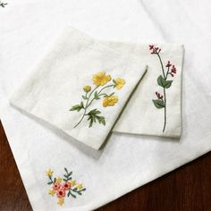 Handkerchief embroidery simple designs.:)