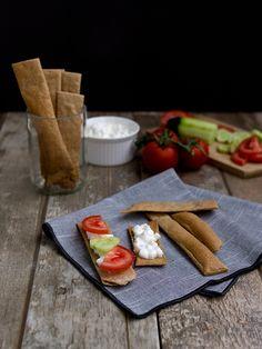 Tyhle žitné chlebíčky jsem zahlédla na facebooku ve skupině Pečem pecen původně od Nuselské kuchty . Měly tam velký úspěch, a tak jsem si ře...