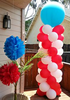 cat in the hat balloon decor | Chic & Unique Parties: Cat in the Hat Party
