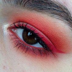 Firey red eyeliner and Smokey eyeshadow makeup look