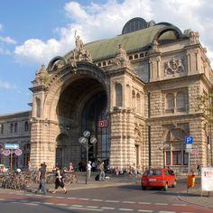 Nuernberg-Hauptbahnhof Dresden, Frankfurt, Places Ive Been, Places To Go, Train Stations, Bavaria Germany, Austria, Big Ben, Berlin