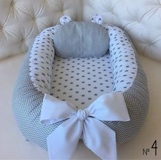 Infant cot Snuggle Nest Cocoon Baby lounger Baby positoner Cosleeper Double sided Baby Nest Bed for newborn Co sleeper Babynest Pod Snuggle Nest, Baby Nest Bed, Co Sleeper, Baby Bassinet, Baby Pillows, Organic Baby, Organic Cotton, Baby Sleep, Beautiful Babies