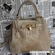 handbag made in Italy How To Make Handbags, Musicals, Spring Summer, Italy, Leather, Fashion, Moda, Italia, Fashion Styles