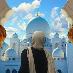 Sheikh Zayed Grand Mosque Sightseeing tour from Dubai. Guide and info Mekka Islam, Mekkah, Islam Women, Grand Mosque, Girl Photo Poses, Muslim Girls, Hijabi Girl, Background Pictures, United Arab Emirates