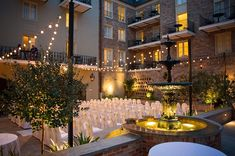 Courtyard Weddings at Maison Dupuy Romantic Places, Beautiful Places, Carving Station, Courtyard Wedding, New Orleans Hotels, New Orleans French Quarter, Places To Get Married, New Orleans Wedding, Wedding Reception Venues