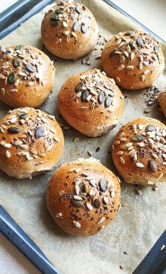 Bułki pszenne pełnoziarniste Bagel, Hamburger, Bread, Food, Eten, Hamburgers, Bakeries, Meals, Breads