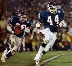 Super Bowl XXI Photos: Giants vs. Broncos Joe Morris (Maurice Carthon, Blocking)