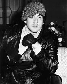 Sylvester Stallone in newsboy cap Sylvester Stallone Young, Silvestre Stallone, Rocky Stallone, Le Plessis Robinson, Rocky Ii, Photo Merci, Steve Reeves, Tres Belle Photo, Childhood Photos