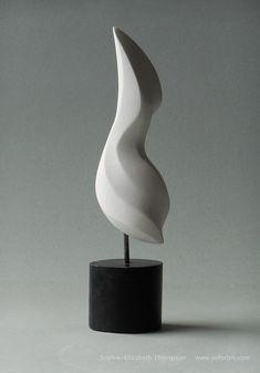Le plus chaud Images Sculpture design Astuces Sculpture Head, Pottery Sculpture, Stone Sculpture, Modern Sculpture, Abstract Sculpture, Sculpture Romaine, Stone Backsplash, Statues, Marble Art