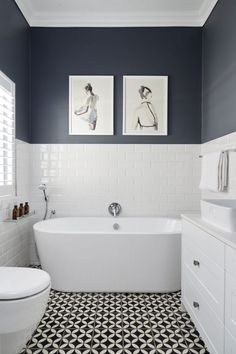 How Japanese Interior Layout Could Boost Your Dwelling Small Bathroom Design Ideas White Bathroom Interior, White Bathroom Tiles, Grey Bathrooms, Bathroom Layout, Modern Bathroom, Master Bathroom, Bathroom Ideas, Half Bathrooms, Budget Bathroom