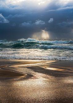 How to Take Good Beach Photos Sea And Ocean, Ocean Beach, Ocean Waves, Image Nature, Photos Voyages, Am Meer, Beach Scenes, Beach Photos, Nature Pictures