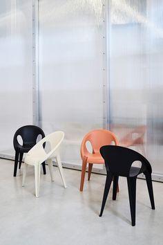"""Der """"Bell Chair"""" ist in den Farben Sunrise, High Noon und Midnight erhältlich. (Foto: Magis) #grcic #magis #bellchair #adgermany"""