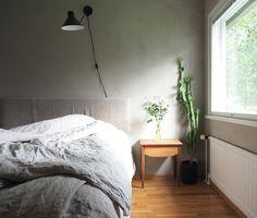 pehmeäsävyinen makuuhuone
