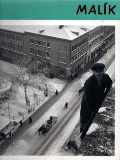 Fotené z budovy SAV. Dole vidieť roh Štefánikovej a Leškovej ulice. Bratislava, Old Photos, Nostalgia, Louvre, Times, Building, Travel, Pictures, Old Pictures