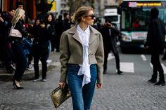 Vetêments jeans y clutch de Loewe | Galería de fotos 58 de 168 | VOGUE