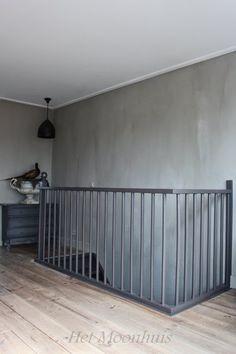 Overloop traphekje Grill Design, Stairways, Attic, Sweet Home, Shabby Chic, Living Room, Bedroom Inspiration, House, Toilet