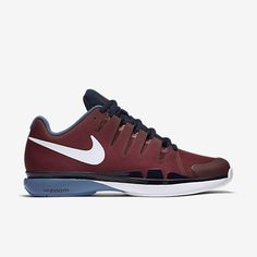 CUSTOM FIT FOR QUICKNESS The NikeCourt Zoom Vapor 9.5 Tour Men s Tennis  Shoe molds to your 91688fefd