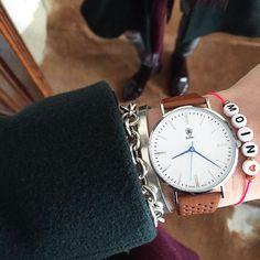 Moin Moin ️ Sprint ins lange Wochenende oder für mich auch in ein paar zusätzliche Urlaubstage ️ Happy Thursday️ @balbertime  #armband #armcandy #balber #balbertime #cos #details #fashion #goodmorning #Hamburg #hh #instadaily #instafashion #jewelry #moin #moinmoin #ootd #outfitoftheday #tiffany #uhr #watch #watches #watchesofinstagram