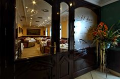 Ubicado en el famoso barrio de la Viña con cerca de medio siglo de tradición Gastronómica.