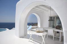 Outdoor dining A Luxury Villa in Mykonos, Greece Exterior Design, Interior And Exterior, Mykonos Island Greece, Architecture Design, Myconos, Mykonos Villas, Beautiful Villas, Beautiful Life, Cool Ideas