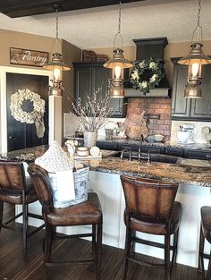 Awesome Most Amazing Rustic Farmhouse Kitchen Design Modern Farmhouse Kitchens, Country Kitchen, Home Kitchens, Rustic Chic Kitchen, Rustic Kitchen Design, Kitchen Designs, Rustic Farmhouse, Cozinha Shabby Chic, Home Decor Kitchen