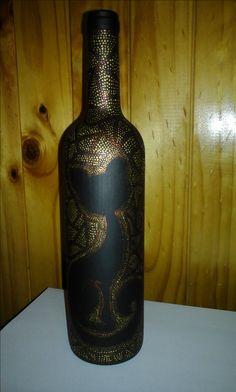 botella con puntillismo
