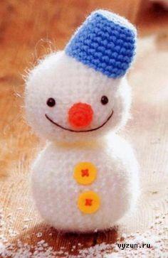 Amigurumi Snowman ~ Free Russian Pattern