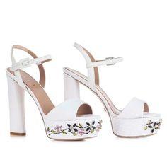 LE SILLA Prairie White Sandal In Ammit, Canvas Fabric H.130 Mm. #lesilla #shoes #sandals