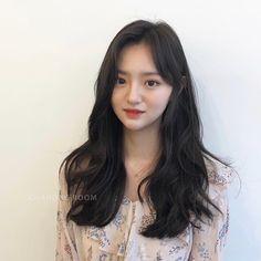 그레이스펌 Super Cute Hairstyles, Kawaii Hairstyles, Asian Haircut, Beauty Makeup, Hair Beauty, Hair Designs, Ulzzang, Bangs, My Hair
