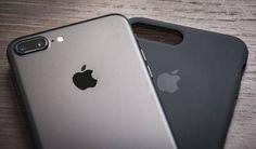 Apple seurannee uudessa puhelimessaan Samsungia, joka poisti lippulaivamallistaan fyysisen kotinäppäimen. Se mahdollistaa näytön koon kasvattamisen ilman puhelimen fyysisen koon suurentamista.