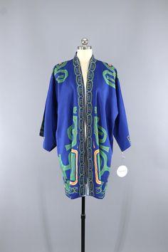 Vintage 1940s - 1950s Silk Kimono Robe / Hayashi Kimono Japan #vintage #shopvintage