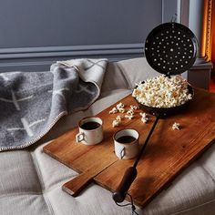 Keep your Golden Globes part poppin' this weekend. #popcorn #party