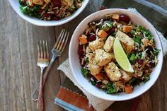 Recipe for easy Fall Mexican Rice Bowls that can easily be adapted depending on what vegetables are on hand and in season. Come link up your easy meal ideas. Rice Recipes For Dinner, Mexican Food Recipes, Real Food Recipes, Healthy Recipes, Healthy Foods, Yogurt Recipes, Detox Recipes, Mexican Rice Bowls, Vegetarian Lunch