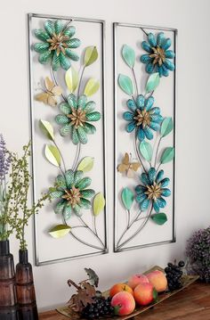 Beautiful and bold this floral metal wall decor is perfect for your living room or office. Compliments most home decor themes. Iron Wall Art, Iron Wall Decor, Wall Decor Set, Home Wall Art, Wall Decorations, Graffiti Murals, Floral Wall Art, Metal Walls, Flower Wall