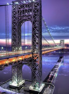 Manhatten Bridge, New York City, United States.