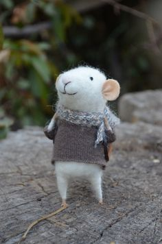 Little Traveler Mouse  Felting Dreams  READY TO by feltingdreams, $68.00